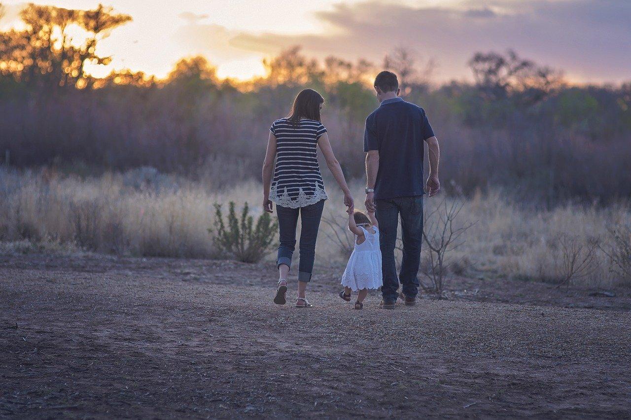At What Age do Babies Start Walking?